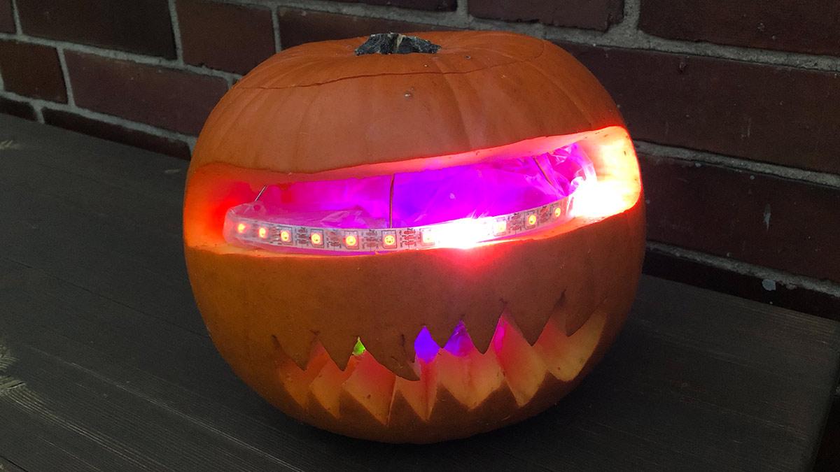 Halloween-Kürbis mit Arduino