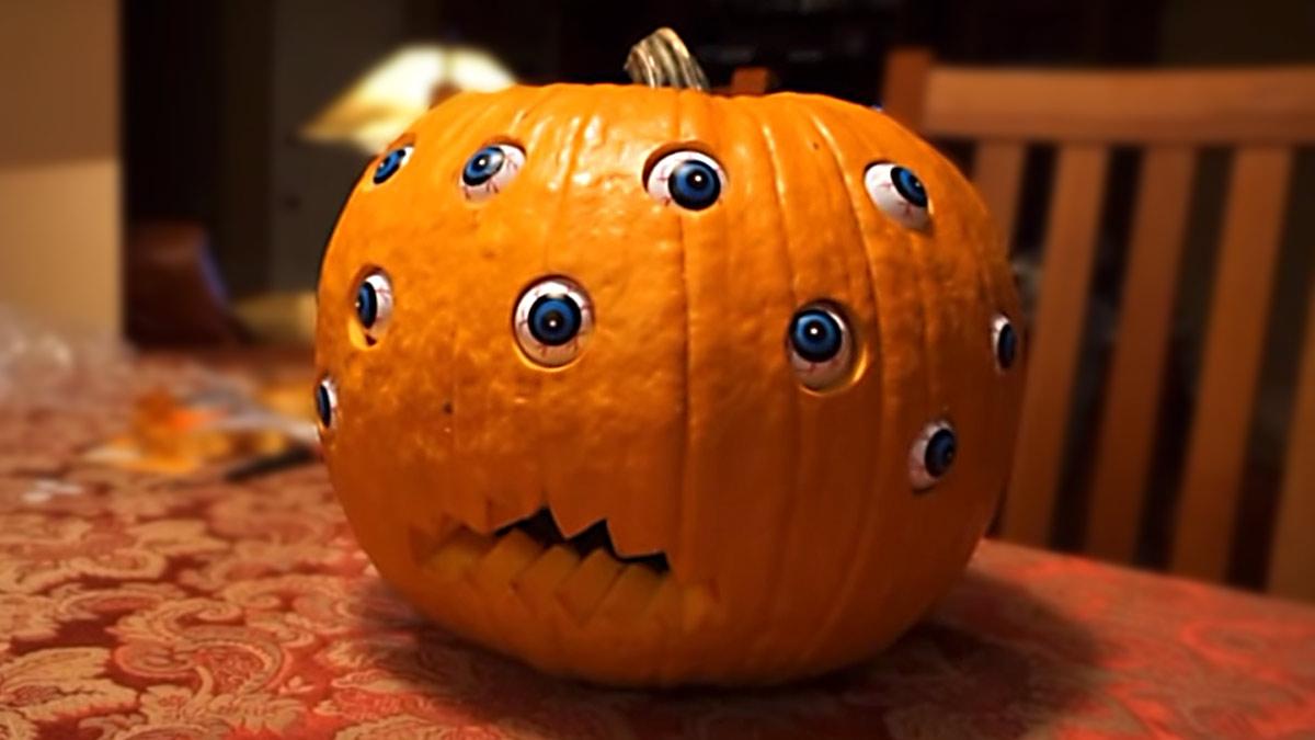 Arduino Halloween Kürbis mit beweglichen Augen